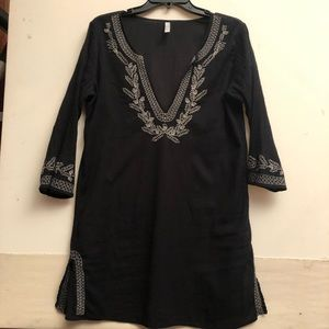 Old Navy, Women's Black Tunic Top. Size S